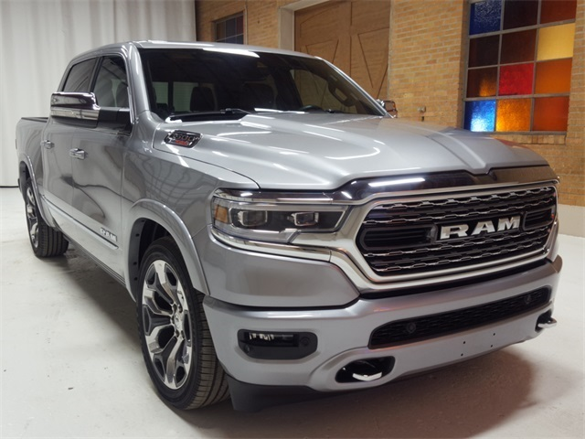 2021-Ram-1500-Limited-front.jpg