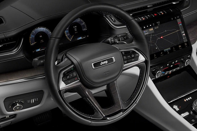 2022 Jeep Grand Cherokee SRT Interior
