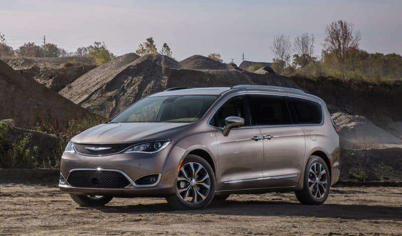 2021-Chrysler-Voyager-featured.jpg